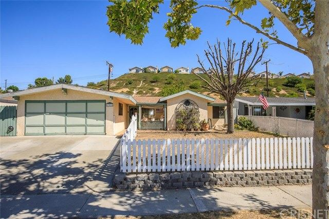 Photo for 27526 Crossglade Avenue, Canyon Country, CA 91351 (MLS # SR19218833)