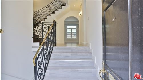 Photo of 202 N CRESCENT Drive #2, Beverly Hills, CA 90210 (MLS # 20591834)