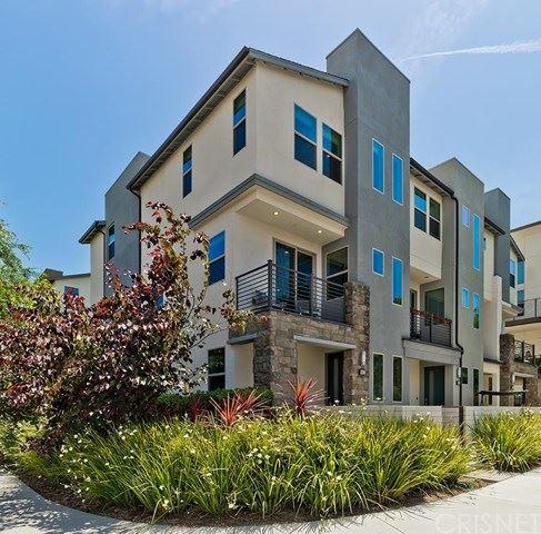 Photo of 19503 Cardigan Drive, Northridge, CA 91324 (MLS # SR20126834)