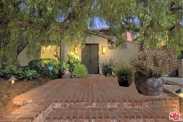 Photo of 324 S Roxbury Drive, Beverly Hills, CA 90212 (MLS # 21697836)