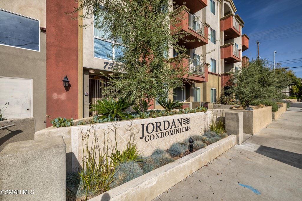 7551 Jordan Avenue #303, Canoga Park, CA 91303 - MLS#: 221001836