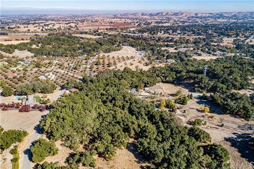 Photo of 7425 Santa Cruz Road, Atascadero, CA 93422 (MLS # SP20243837)