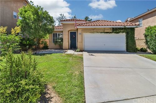 Photo of 29945 Crawford Place, Castaic, CA 91384 (MLS # SR20129837)