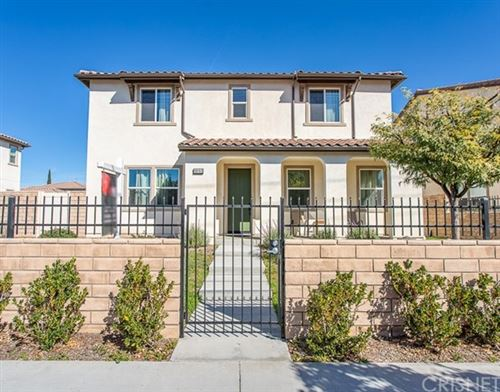 Photo of 19153 Saticoy Street, Reseda, CA 91335 (MLS # SR21035837)