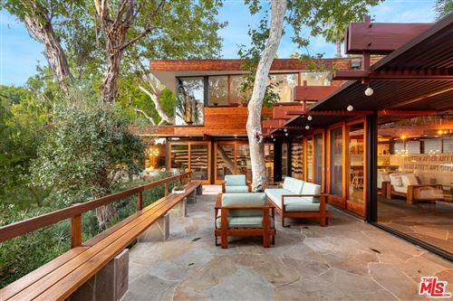 Photo of 2620 La Cuesta Drive, Los Angeles, CA 90046 (MLS # 20622838)