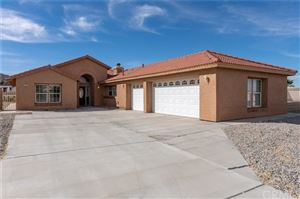 Photo of 57031 Selecta Avenue, Yucca Valley, CA 92284 (MLS # JT18273838)