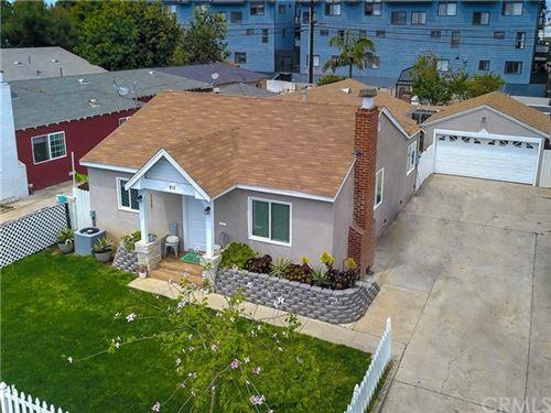 Photo of 813 E Chestnut Avenue, Santa Ana, CA 92701 (MLS # OC21096838)