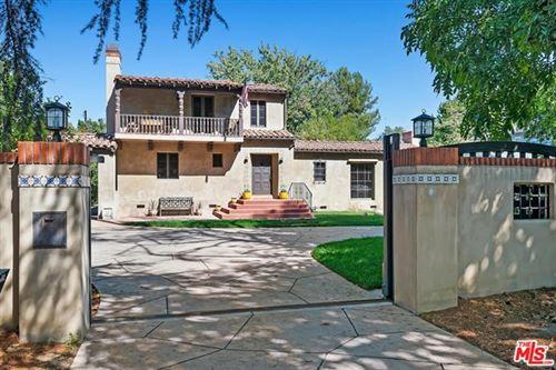 Photo of 13123 Chandler Boulevard, Sherman Oaks, CA 91401 (MLS # 21683840)