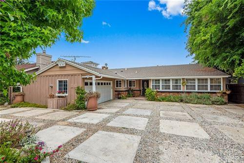 Photo of 15445 Camarillo Street, Sherman Oaks, CA 91403 (MLS # SR21098840)