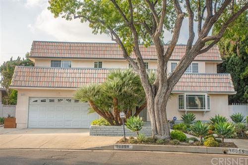 Photo of 16859 Klee Street, Northridge, CA 91343 (MLS # SR20224843)