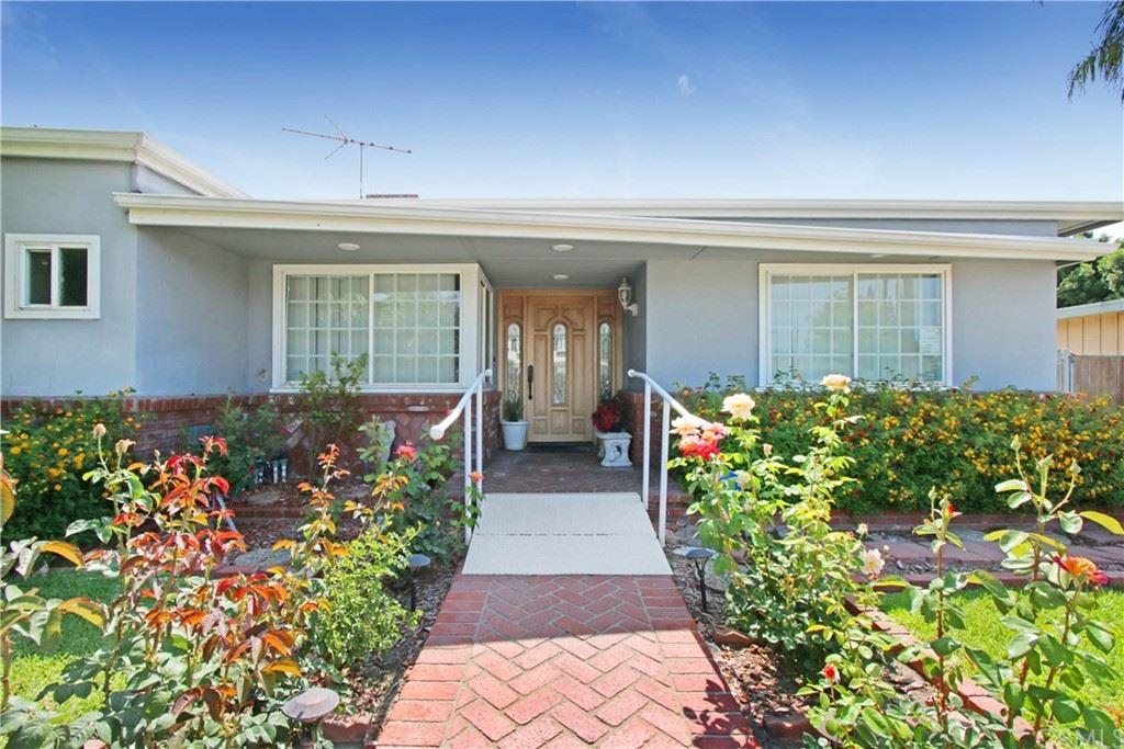 Photo of 1142 Highland Oaks Drive, Arcadia, CA 91006 (MLS # CV21125844)