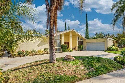 Photo of 10030 Vanalden Avenue, Northridge, CA 91324 (MLS # SR21028845)