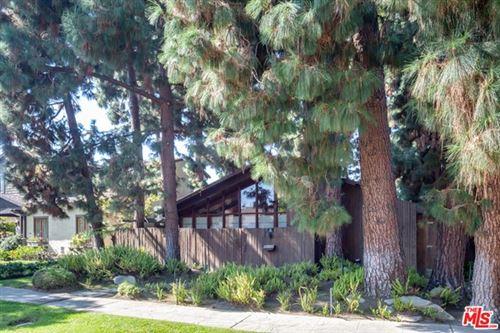 Photo of 2837 Glendon Avenue, Los Angeles, CA 90064 (MLS # 20639848)