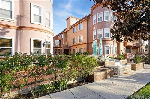 Photo of 414 E Valencia Avenue #305, Burbank, CA 91501 (MLS # BB21068849)