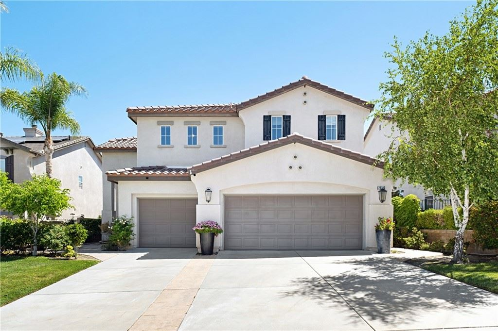 Photo for 26315 Peacock Place, Stevenson Ranch, CA 91381 (MLS # TR21132849)