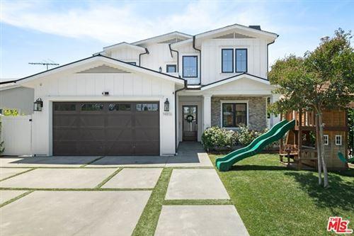 Photo of 14816 Weddington Street, Sherman Oaks, CA 91411 (MLS # 21753850)