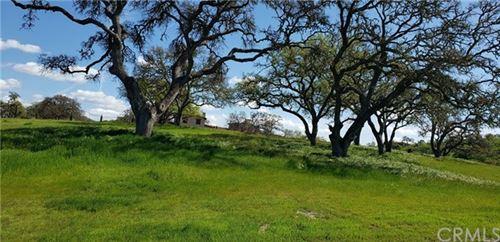 Photo of 2725 Warm Springs Lane, Templeton, CA 93465 (MLS # NS20055850)