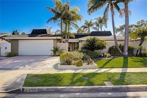 Photo of 2392 Bay Farm Place, Newport Beach, CA 92660 (MLS # OC21189850)