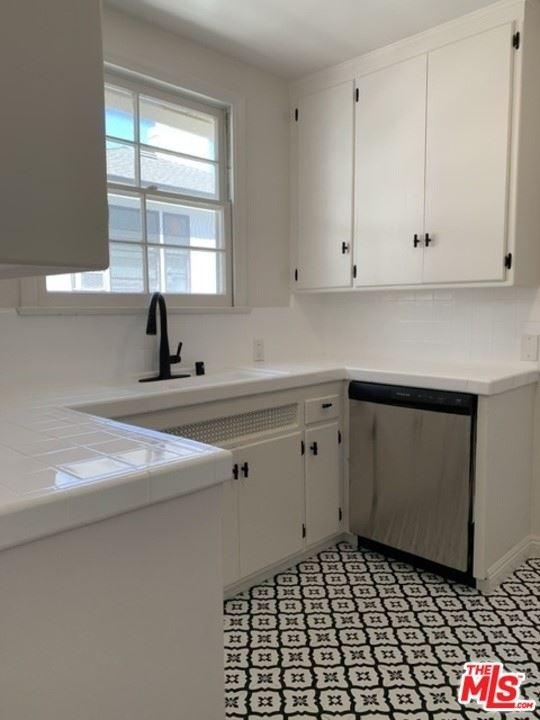Photo of 405 3/4 Shirley Place #3/4, Beverly Hills, CA 90212 (MLS # 21765850)