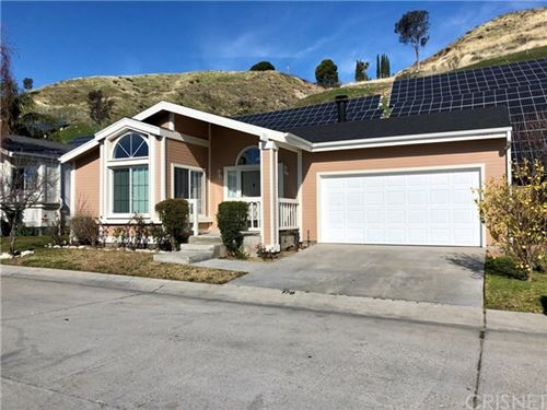 Photo of 19789 Northcliff Drive, Canyon Country, CA 91351 (MLS # SR20022851)