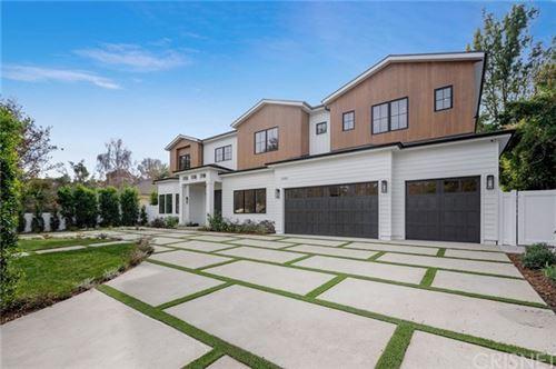 Photo of 15520 Valley Vista Boulevard, Encino, CA 91436 (MLS # SR21004851)