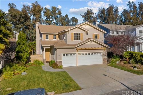 Photo of 27654 Briarcliff Place, Valencia, CA 91354 (MLS # SR21006851)