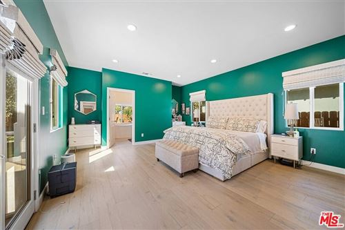 Tiny photo for 4821 Calhoun Avenue, Sherman Oaks, CA 91423 (MLS # 21784852)