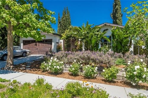 Photo of 19701 Green Mountain Drive, Newhall, CA 91321 (MLS # SR21090852)