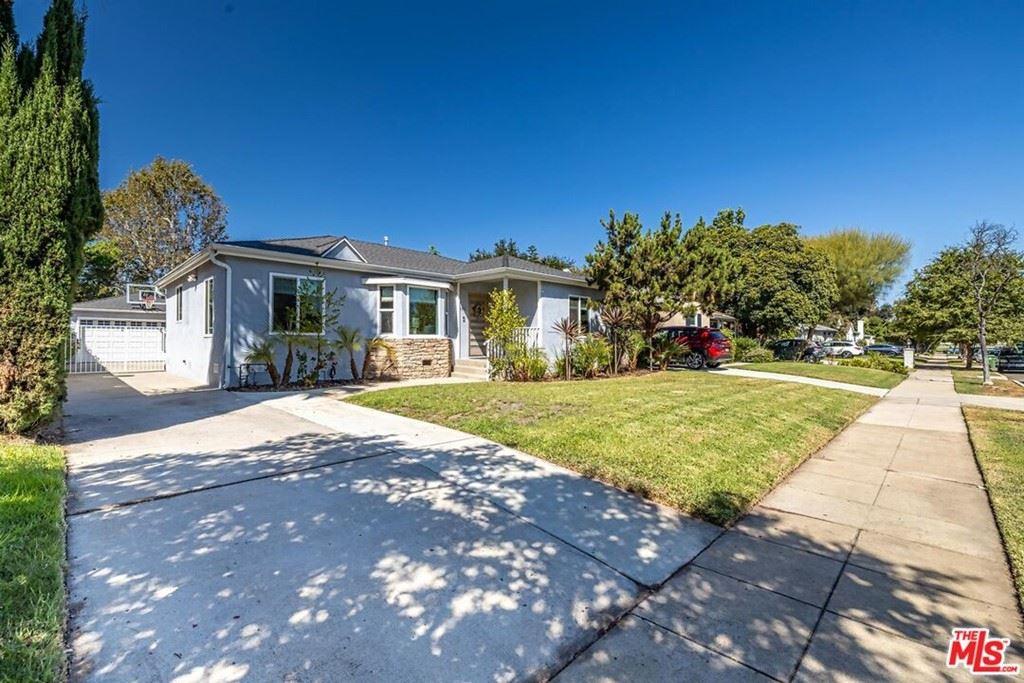 Photo for 4821 Calhoun Avenue, Sherman Oaks, CA 91423 (MLS # 21784852)
