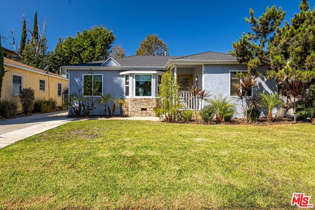 Photo of 4821 Calhoun Avenue, Sherman Oaks, CA 91423 (MLS # 21784852)