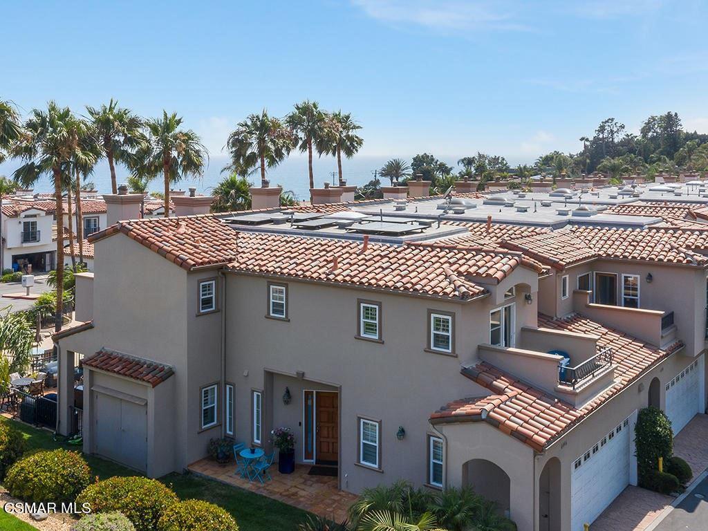 Photo of 6446 Lunita Road, Malibu, CA 90265 (MLS # 221003853)