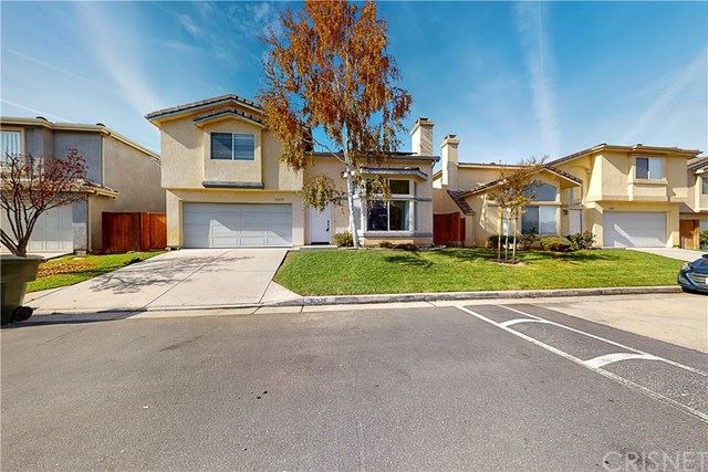 Photo for 31375 Castaic Oaks Lane, Castaic, CA 91384 (MLS # SR20244853)