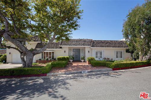 Photo of 391 N Saltair Avenue, Los Angeles, CA 90049 (MLS # 21781854)