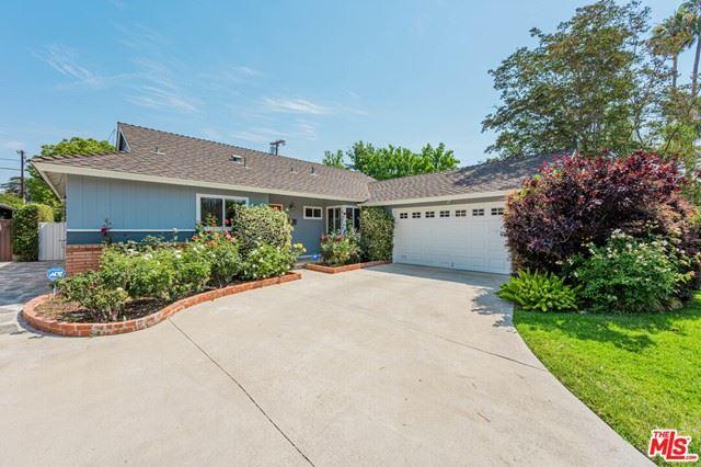 Photo of 13341 Weddington Street, Sherman Oaks, CA 91401 (MLS # 21751854)