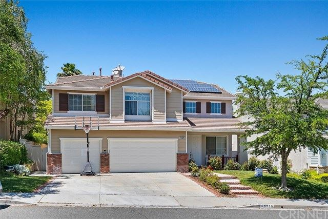 Photo for 25715 Hood Way, Stevenson Ranch, CA 91381 (MLS # SR20102854)