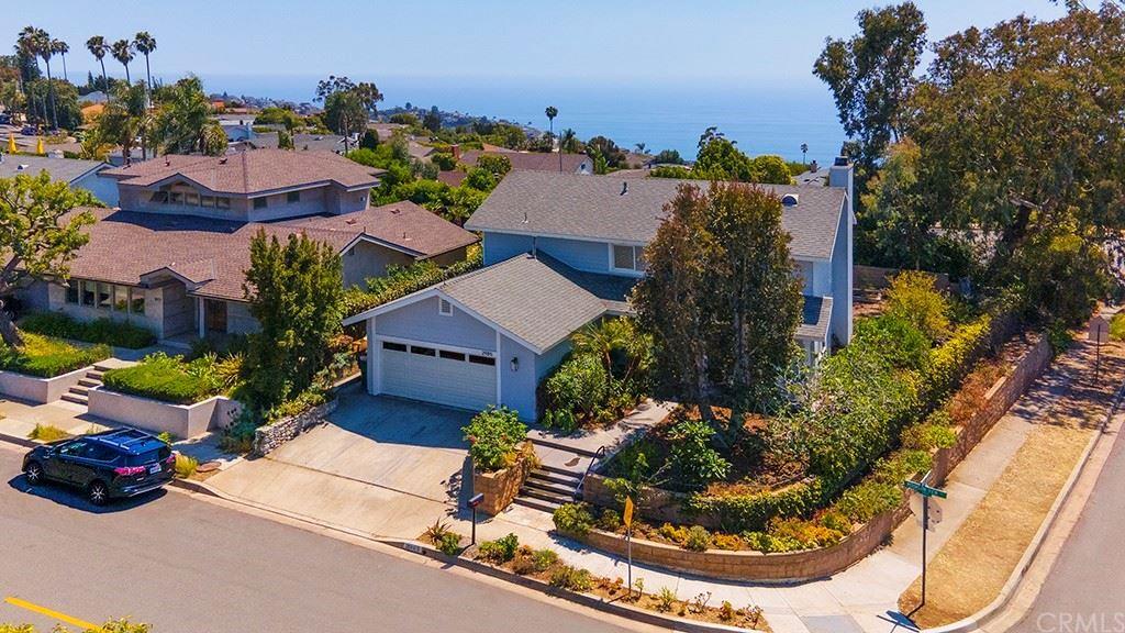Photo for 2985 Mountain View Drive, Laguna Beach, CA 92651 (MLS # LG21125855)