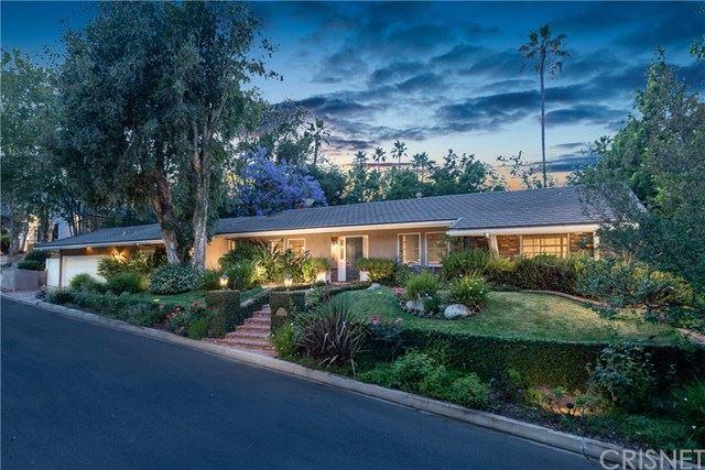 Photo of 16301 Celinda Place, Encino, CA 91436 (MLS # SR20120855)