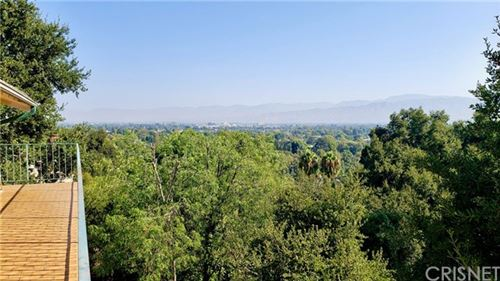 Photo of 11587 Sunshine Terrace, Studio City, CA 91604 (MLS # SR20154856)
