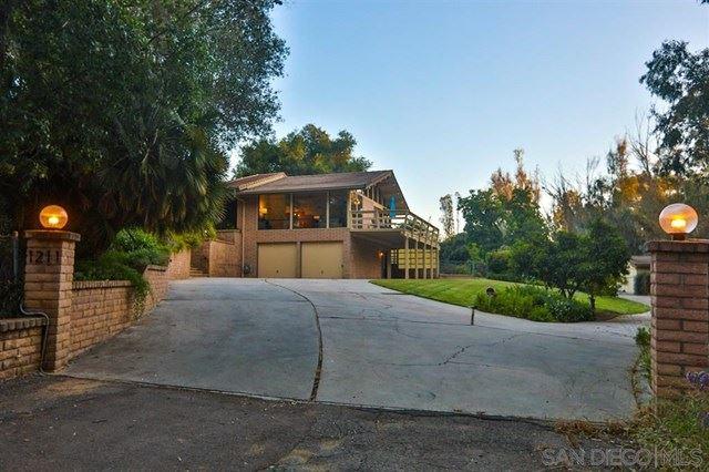1211 Palomino Rd, Fallbrook, CA 92028 - MLS#: 200031856