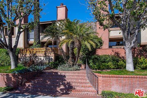 Photo of 323 SAN VICENTE #9, Santa Monica, CA 90402 (MLS # 20553858)