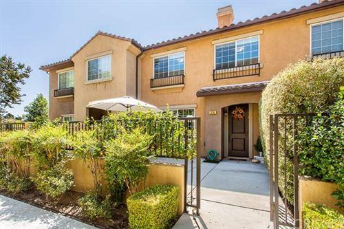 Photo of 374 E Hilltop Way, Thousand Oaks, CA 91362 (MLS # SR20197858)