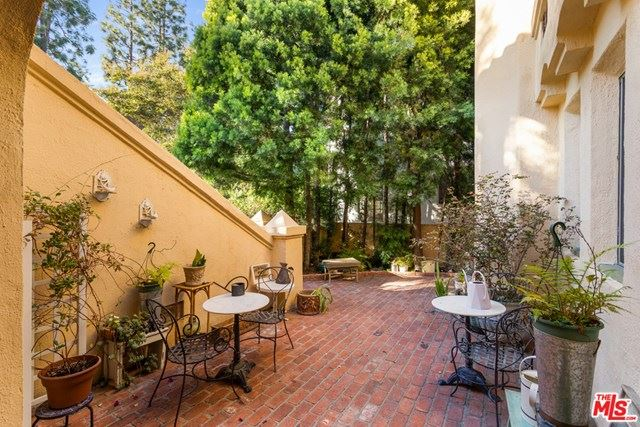 Photo of 318 S Spalding Drive, Beverly Hills, CA 90212 (MLS # 21696858)
