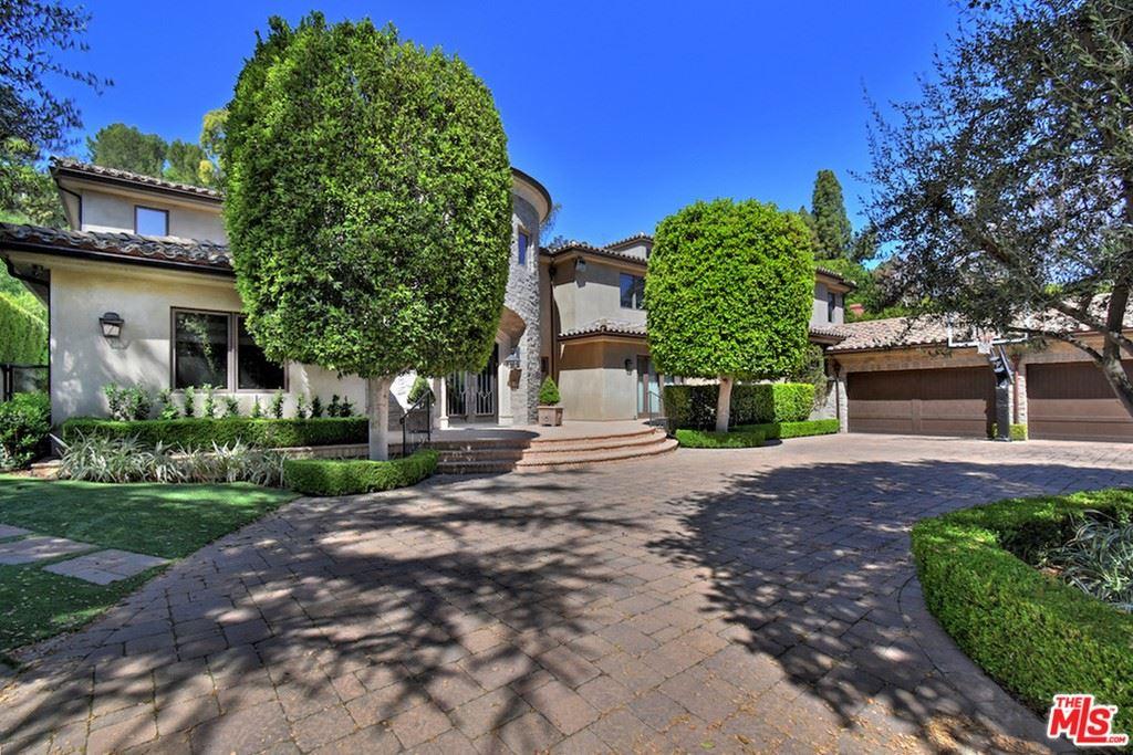 Photo of 4541 Comber Avenue, Encino, CA 91316 (MLS # 21716858)