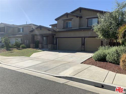 Photo of 28541 Bauvardia Way, Murrieta, CA 92563 (MLS # 21717860)