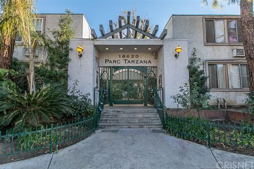 Photo of 18620 Hatteras Street #122, Tarzana, CA 91356 (MLS # SR21035860)