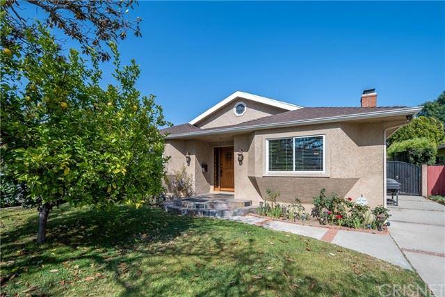 Photo of 5712 Colbath Avenue, Valley Glen, CA 91401 (MLS # SR21105860)