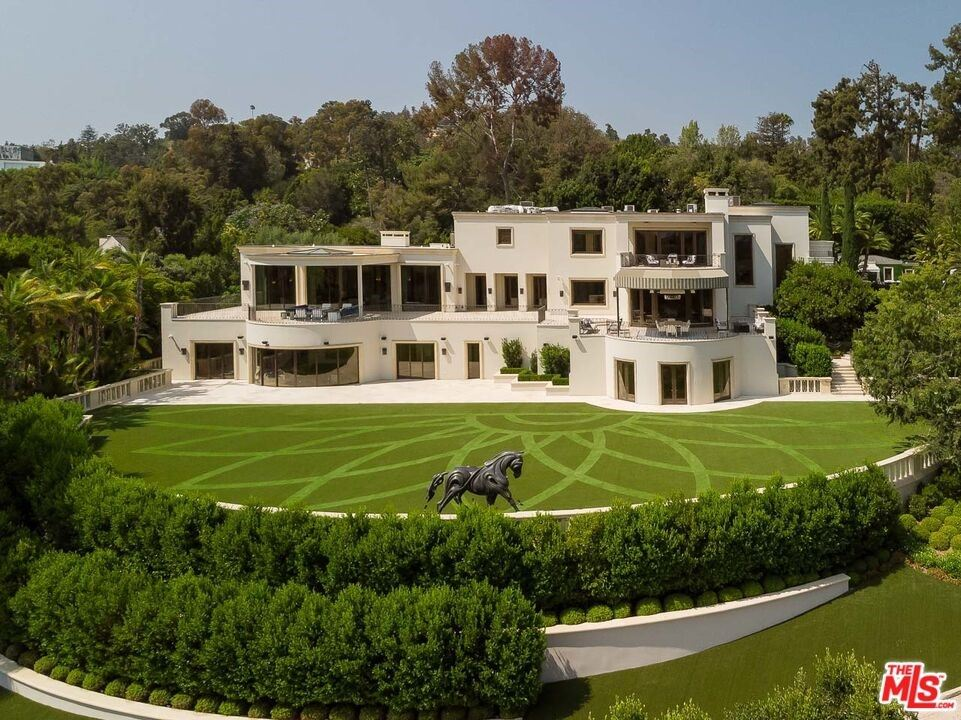 Photo of 1210 Benedict Canyon Drive, Beverly Hills, CA 90210 (MLS # 21791862)