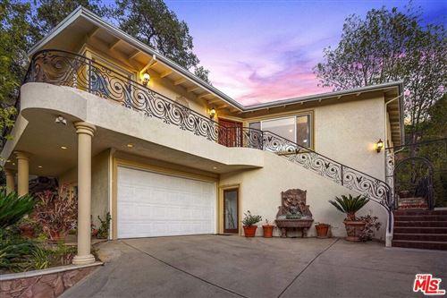 Photo of 15284 Rayneta Drive, Sherman Oaks, CA 91403 (MLS # 21796864)