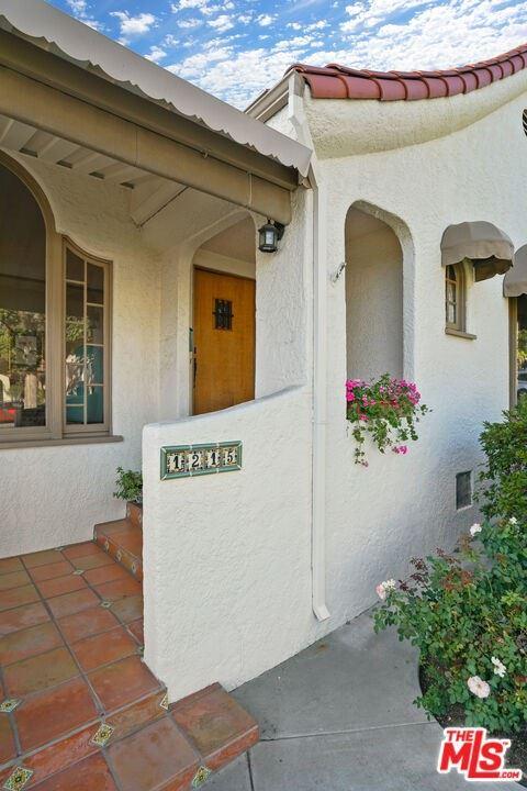Photo of 1215 N Everett Street, Glendale, CA 91207 (MLS # 21786864)
