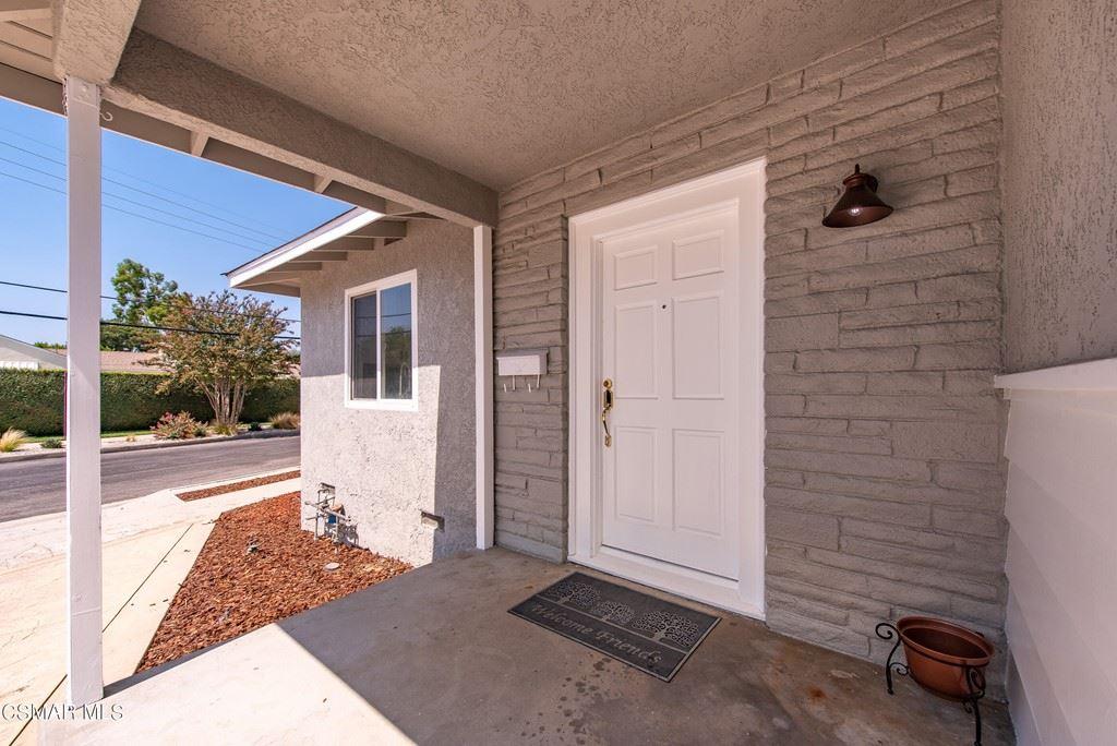 Photo of 19055 Sylvan Street, Tarzana, CA 91335 (MLS # 221004865)